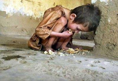 Niños con hambre, el futuro hipotecado !